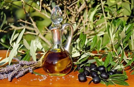 olive-oil-1596417_640